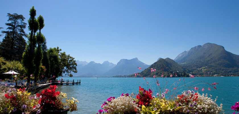 Talloires in summer, Lake Annecy, France.jpg